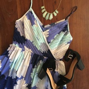 CCO☘️ Banana Republic Blue Floral Dress