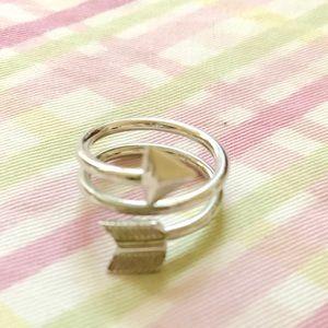 Jewelry - Arrow Ring