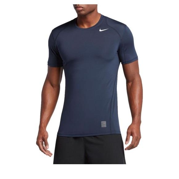 fddc4efe Nike Pro Combat Compression Shirt, Size Large. M_5a0a29263c6f9fb43c13ec0c