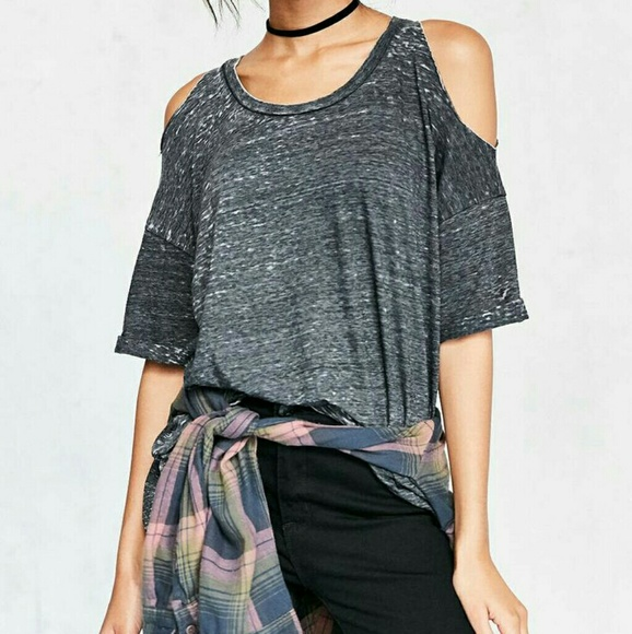 66a9ef4f77 Urban Outfitters Tops | Nwt Pins Needles Dropout Cold Shoulder Tee ...