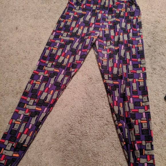984d60edf52d9d LuLaRoe Pants | Purple Lipstick Llr Leggings Size Tall And Curvy ...