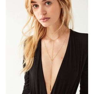 Bnwt urban  outfitters Elise Necklace gold