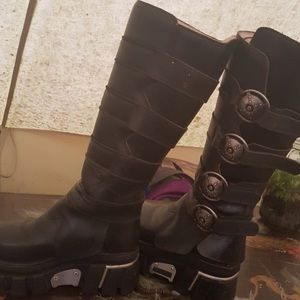 ISO new rock boots