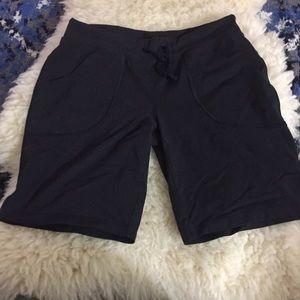 Lucy black shorts medium