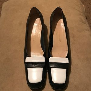 SALVATORE FERRAGMO Navy/White Leather Low Heels