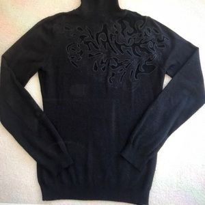 Peek-a-Boo turtleneck sweater 🎄