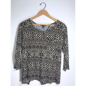 Tribal Open-Back Top • Large • F21