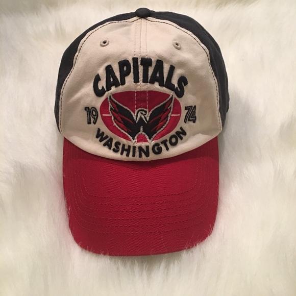 9afd8916cb7fd Men s fitted Washington Capitals cap. M 5a0a44987fab3a0f2e191cad