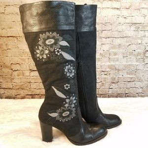 Kenneth Cole Tower of Flower Embroidered Boots