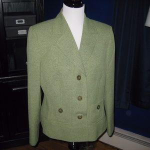 Jones Studio three button blazer