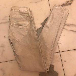 Guess stretchy metallic  white pants