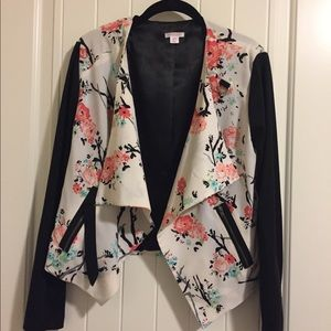 Target brand print blazer size medium.