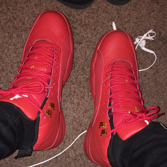 jordan shoes all red