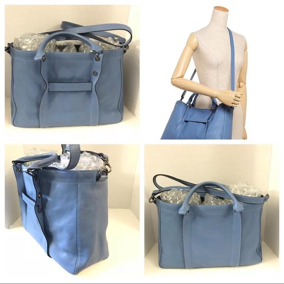 70270c6491b4 Longchamp Handbags - Pre-owned - Longchamp 3D Medium Tote Bag