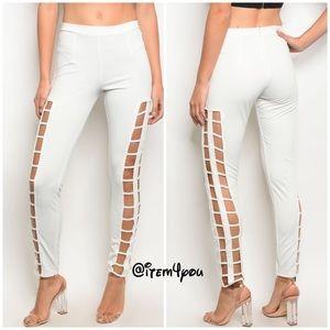 Pants - 💋SASSY💋‼️Ivory cut out - Legging