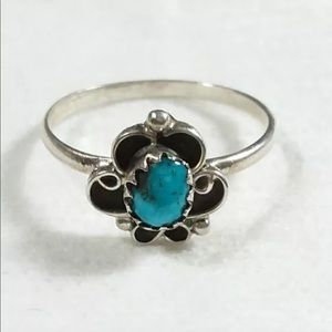 Jewelry - 925 STERLING SILVER SCROLLS DESIGN DAINTY RING