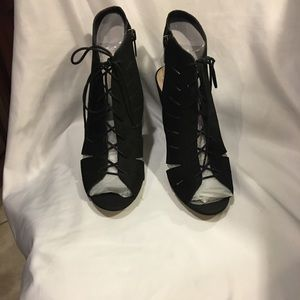 Vince Camuto New Black Estie Shoes Heels Peep Toes