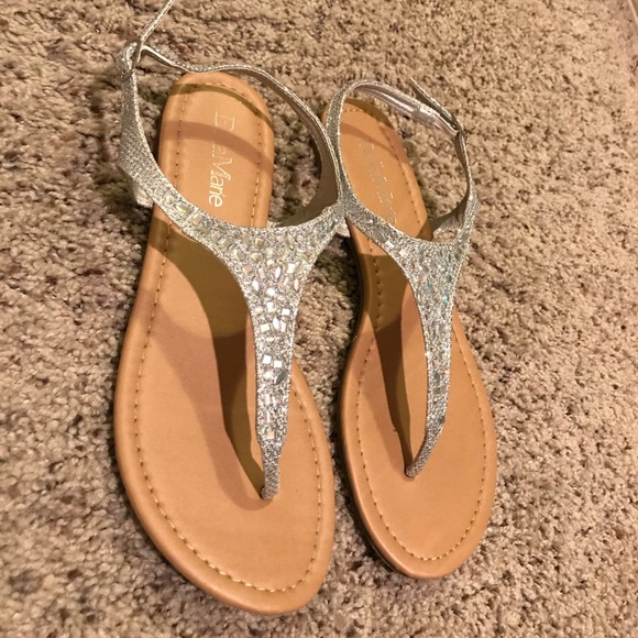 0054e1aad23283 Bella Marie Shoes - Silver sparkly T-strap flat sandal