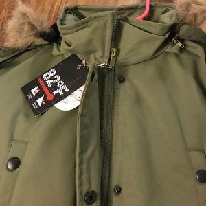 82 Degrees Fahrenheit parka coat NWT NWT