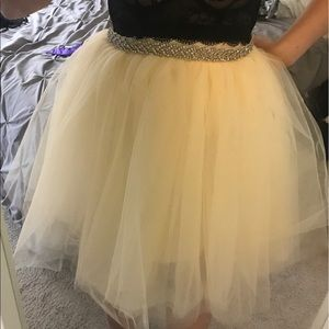 Dresses & Skirts - Cream tutu with belt