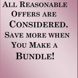 NEW LN & EUC Bundle & Save.🎄Happy Safe Holidays🎄