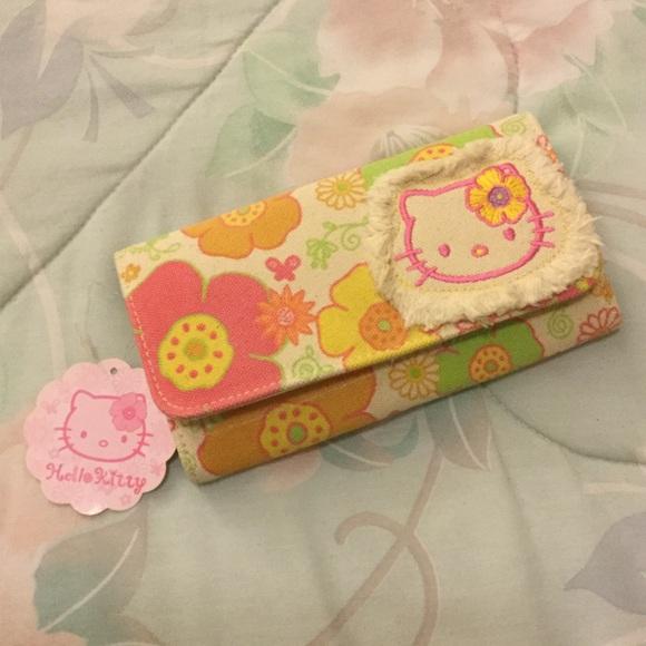 5b8e30f6ad Hello Kitty Hawaiian Wallet