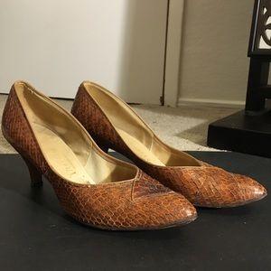 Vintage 1940s Pinup Brown Snakeskin Heels Size 9