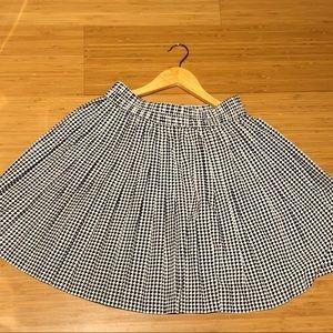 Banana Rebublic pleated skater skirt. (Size 2)