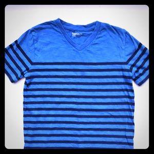 GAP BOYS SIZE 6/7 BLUE STRIPPED TEE