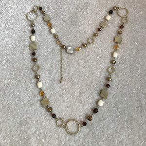 Jewelry - Pretty long beaded necklace
