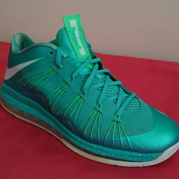 the latest 47ae7 09604 Nike Lebron X 10 Easter easter Size 11.5 MEN