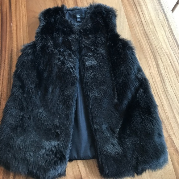 Mossimo Supply Co. Jackets & Blazers - Faux fur vest