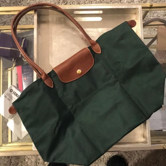 Longchamp Handbags - Longchamp! Hunter Green bag! c86434be762e8