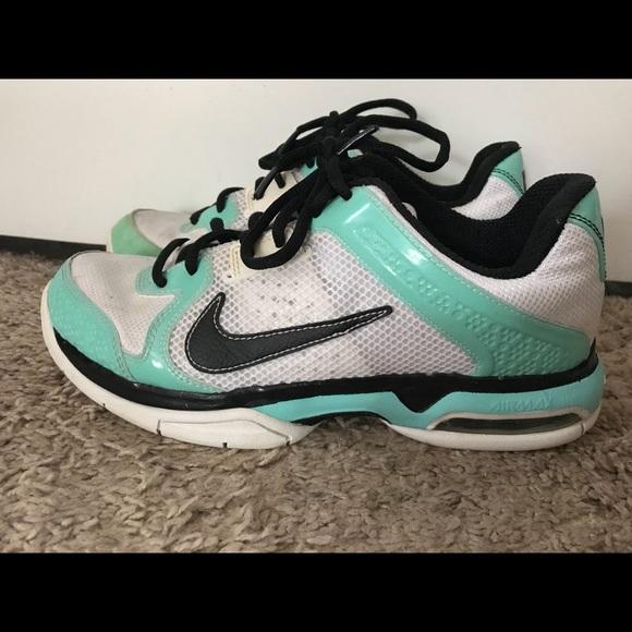 Nike Women's Air Max Mirabella 3 Shoes
