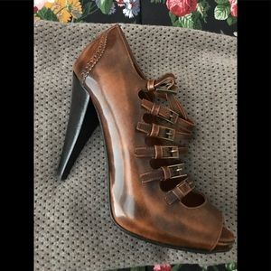 Multiple straps Bally leather heels