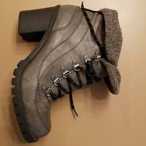 MUDD ankle boots