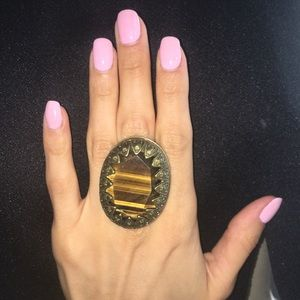 Topshop huge ring with details size 6-7