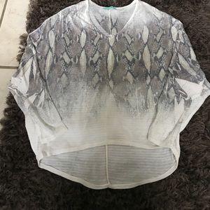 Karlie Vneck Medium Shirt animal Print