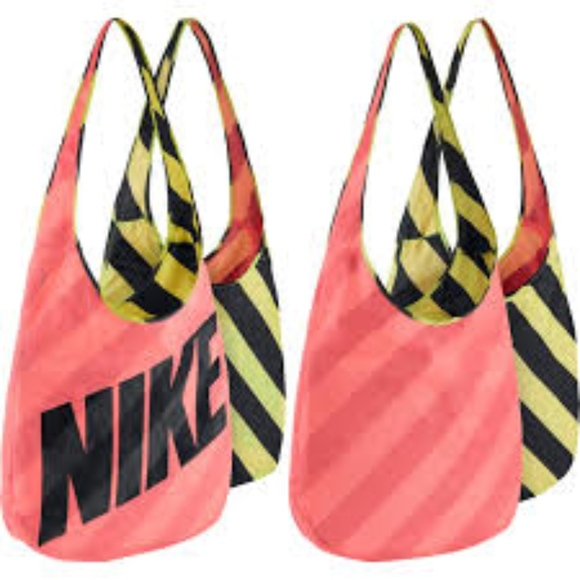 Nike Graphic Reversible Tote Bag a1f97af309026