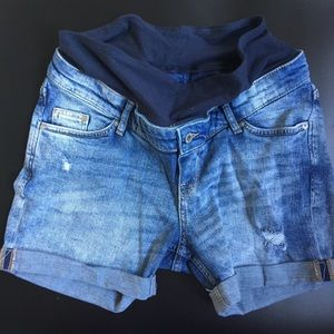 H&M's MAMA maternity jean shorts