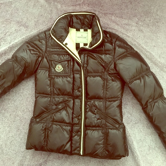 Authentic Moncler Quincy down jacket❤️
