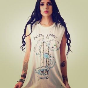 Pussy money weed tank by unif