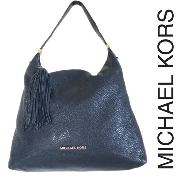 dc7257858842 Michael Kors Large Bedford Tassel Shoulder Bag. M_5a0b4bb85a49d08b42001238