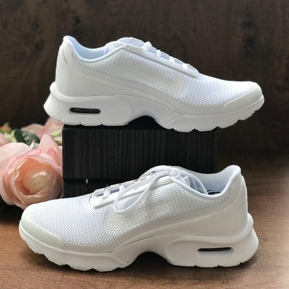 8618842a5ea6 NWT Nike Air Max Jewel Pure Platinum WMNS