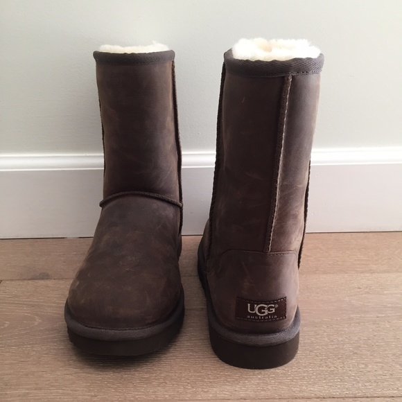 bd7c834c223 NEW - UGG Classic Short Boot - Leather - Brown NWT