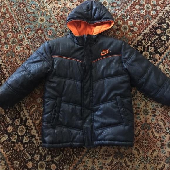 42c4b8c19627 Nike hooded puffer jacket. M 5a0b51c84e8d1776e8003225