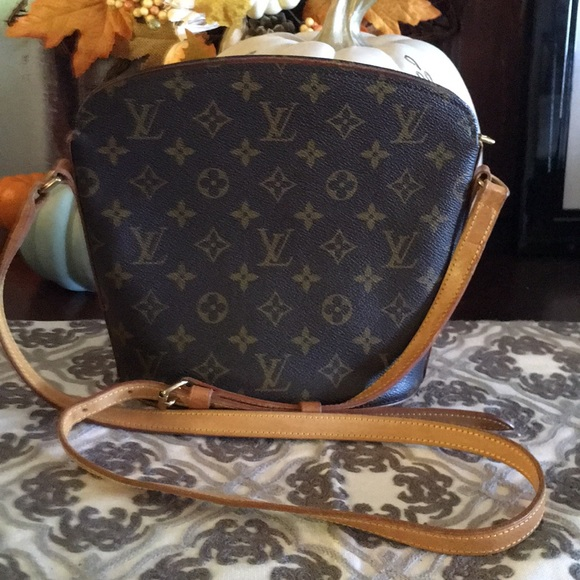 3128030ed1f7 Louis Vuitton Handbags - 🔥SALE🔥AUT LOUIS VUITTON DROUOT CROSS BODY BAG