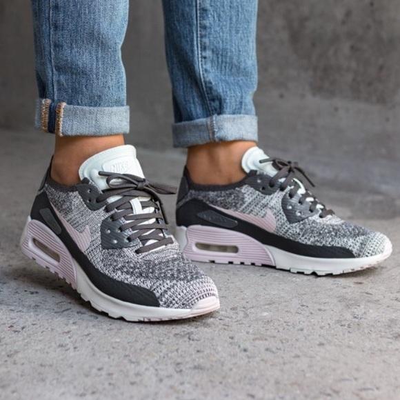 sneakers for cheap 6d9a4 6816f NWT Nike Air Max 90 Ultra 2,0 Fl Midnight Fog WMNS