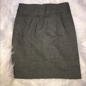 Banana Republic Black and White Skirt size 8