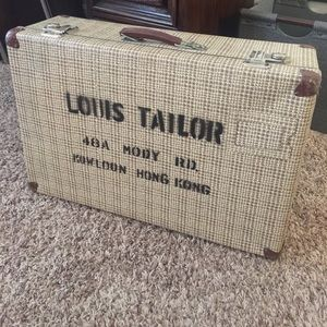 Vintage Suitcase w/lots of character